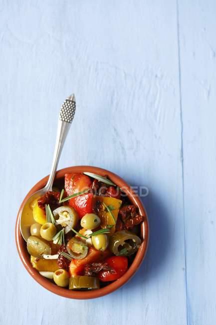 Peperoni alla griglia con pomodori — Foto stock