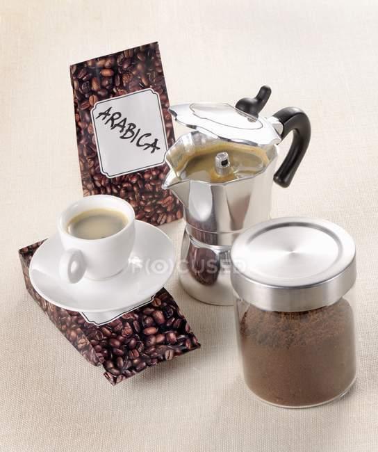 Arrangement of coffee beans — Stock Photo