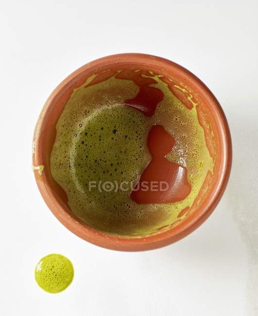 Крупним планом вид зверху порожню миску з Matcha чаю — стокове фото