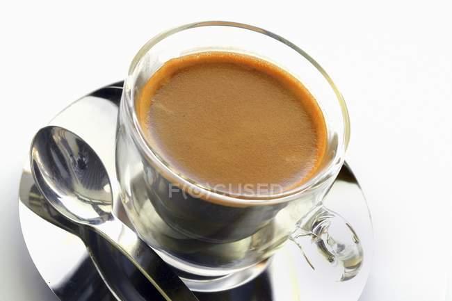 Простой эспрессо в чашке — стоковое фото