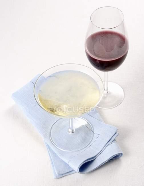Rotwein und Sekt — Stockfoto