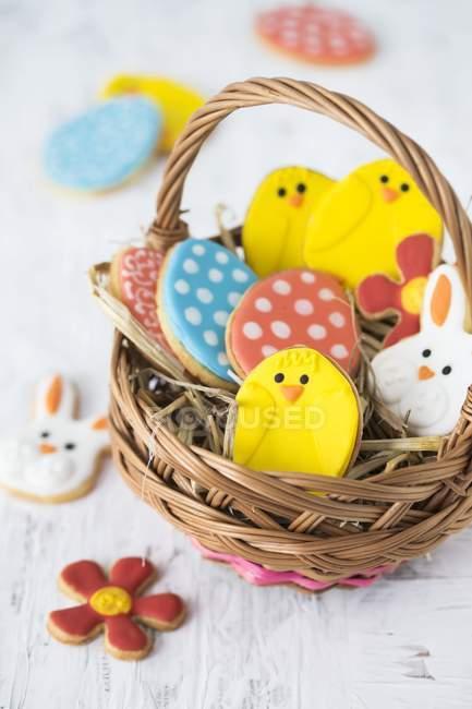 Biscoitos de Páscoa coloridos — Fotografia de Stock