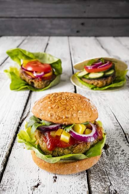 Gluten-free veggie burgers — Stock Photo