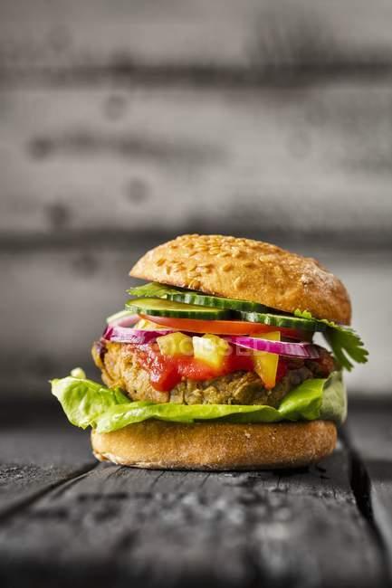Gluten-free veggie burger — Stock Photo