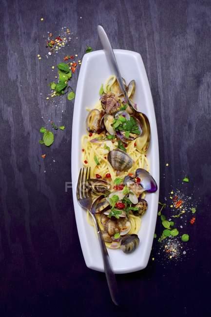 Spaghetti Vongole Nudeln mit Muscheln — Stockfoto