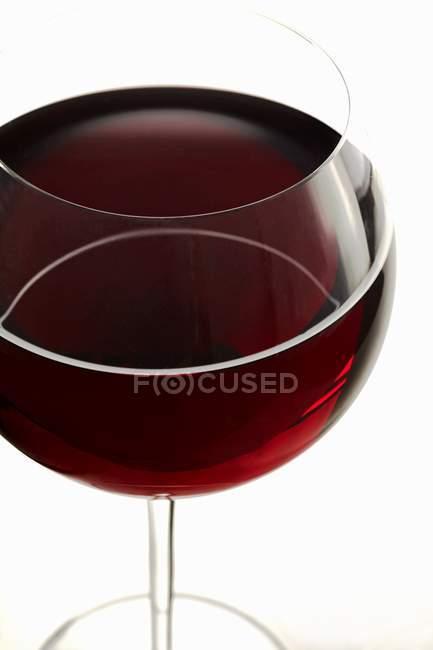 Склянка червоного вина. — стокове фото