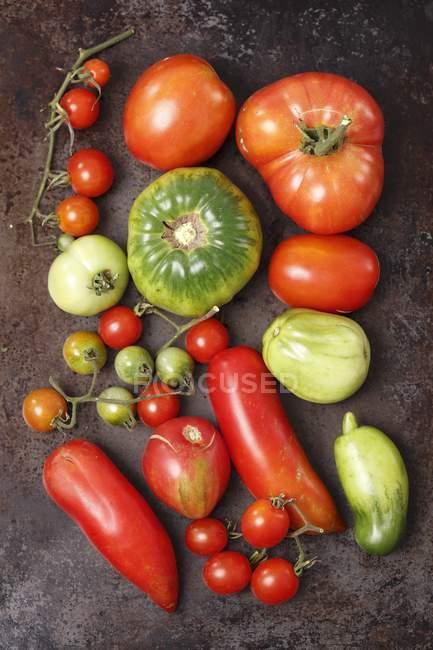 Ассорти из органических томатах — стоковое фото