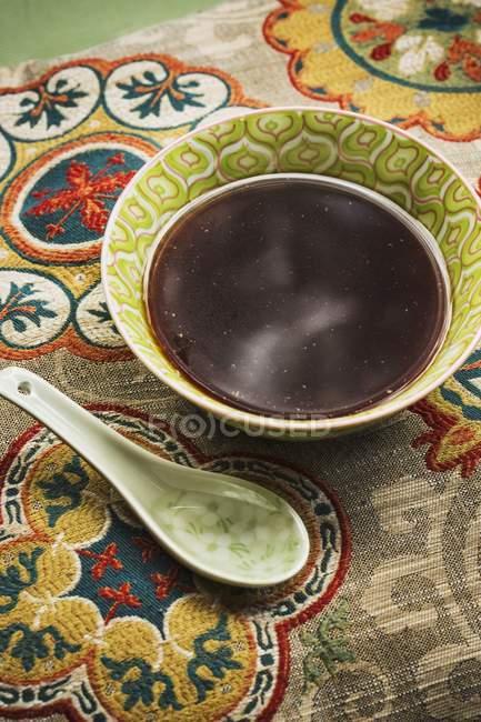 Caldo de soja ramen japonês frio — Fotografia de Stock