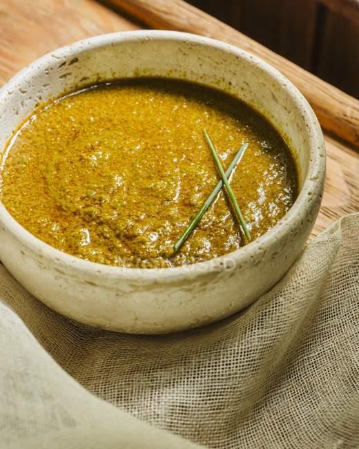 Würzige Basis für japanische Ramen-Suppe — Stockfoto