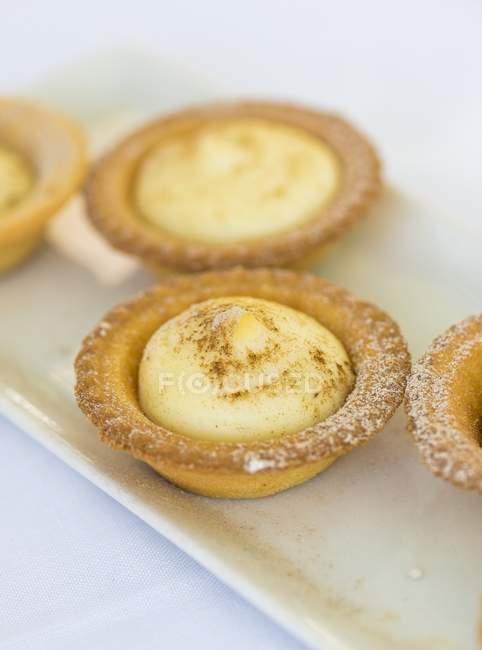 Tartaletas de crema de vainilla - foto de stock