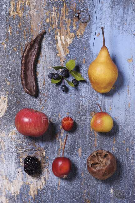 Assorted old fruits — Stock Photo