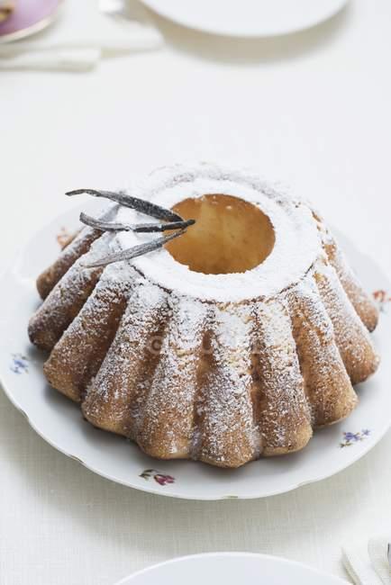 Выпекание торт с ванильным — стоковое фото