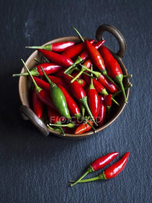 Small chilli peppers — Stock Photo