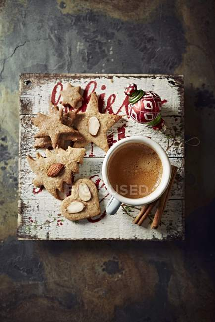 Cup of espresso with biscuits — Stock Photo