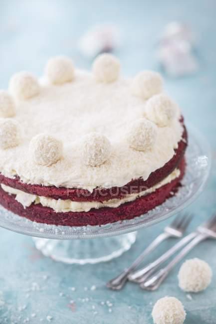 Красный бархатный торт — стоковое фото