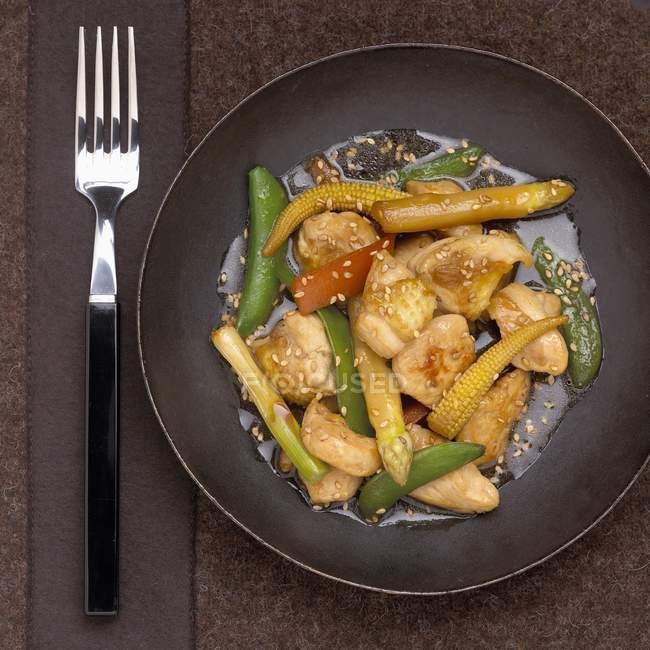 Landes-Huhn und Gemüse — Stockfoto