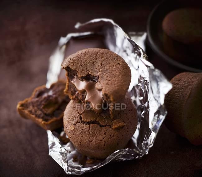 Крупним планом подання торти шоколад Moelleux — стокове фото