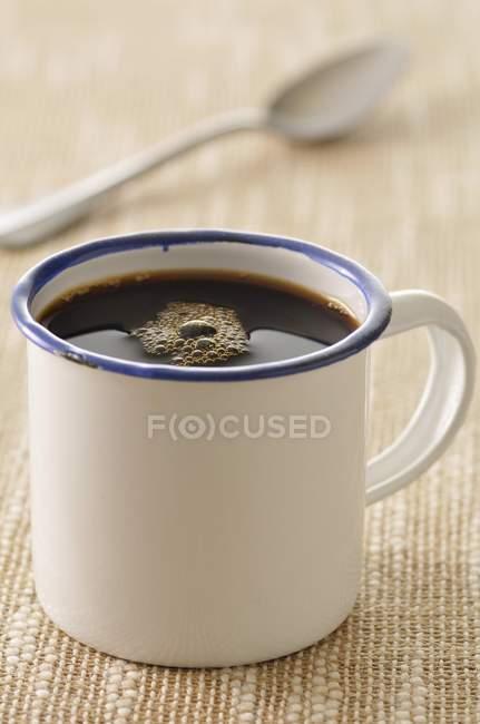 Олово чашку кави — стокове фото