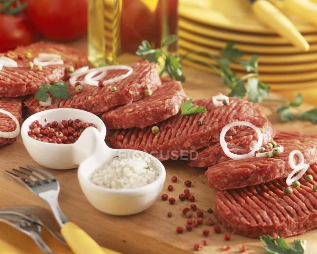 RAW яловичину — стокове фото