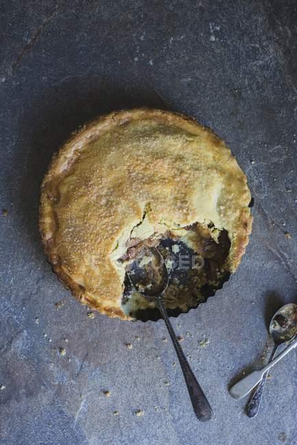 Tarta de manzana con canela - foto de stock