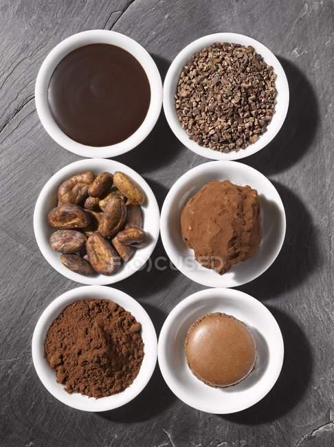 Verschiedene Formen von Schokolade — Stockfoto
