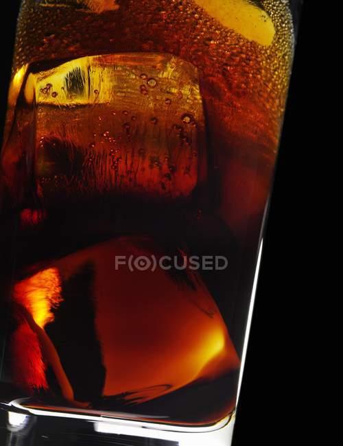 Cocktail con Amaro in vetro — Foto stock