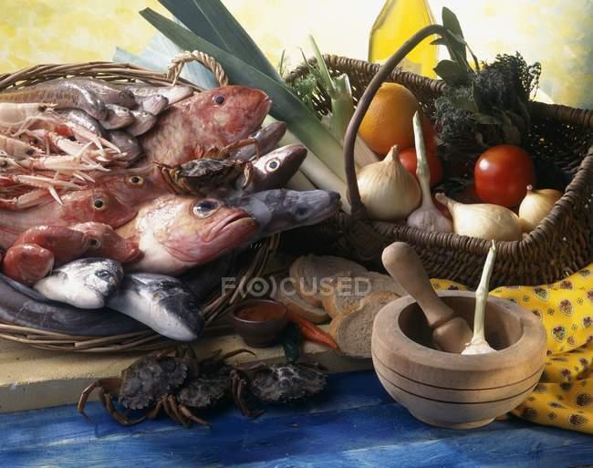 Bouillabaisse sul tagliere — Foto stock