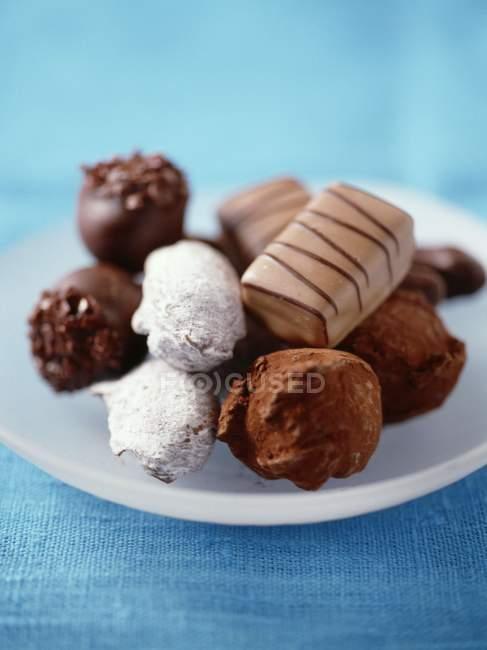 Блюдо різних шоколаду — стокове фото