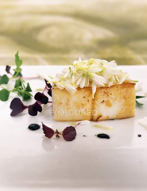 Vue de seiche aux fleurs de chrysanthèmes et de boutons — Photo de stock