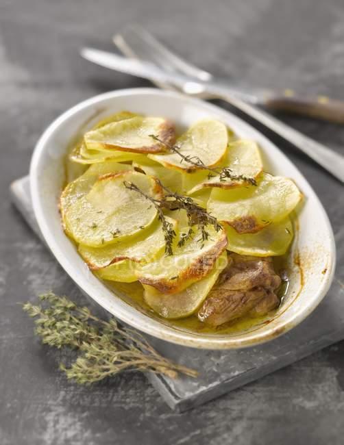 Sautierte Kartoffeln mit Lamm — Stockfoto