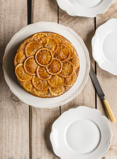 Torta condita con fette di arancia — Foto stock