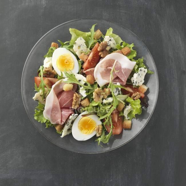 Рокфор мікс-салат — стокове фото