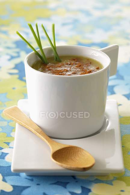 Chilled avocado soup — Stock Photo