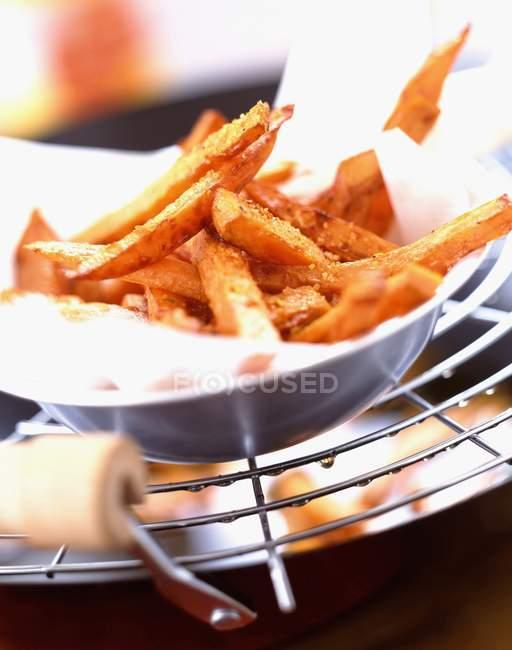 Chips de patata dulces - foto de stock