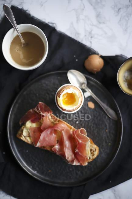 Breakfast with boiled egg — Stock Photo