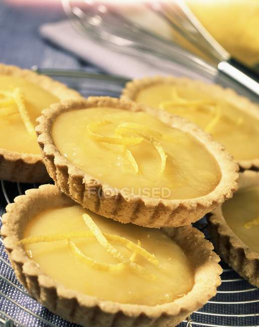 Запеченный лимон тарталетки — стоковое фото