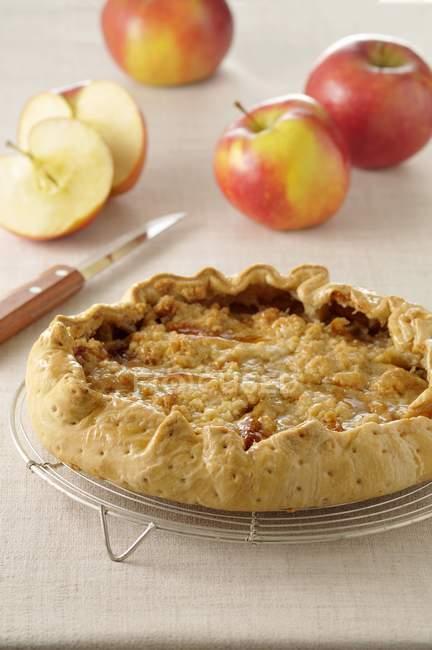 Tarta de manzana estilo Crumble - foto de stock