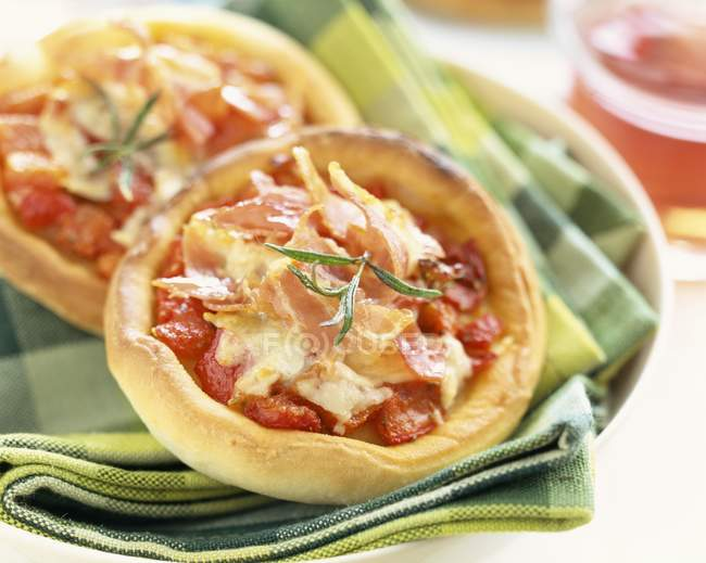 Mini Pizzas with tomatoes — Stock Photo