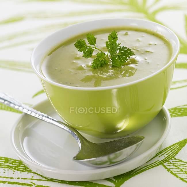 Cream pea soup — Stock Photo