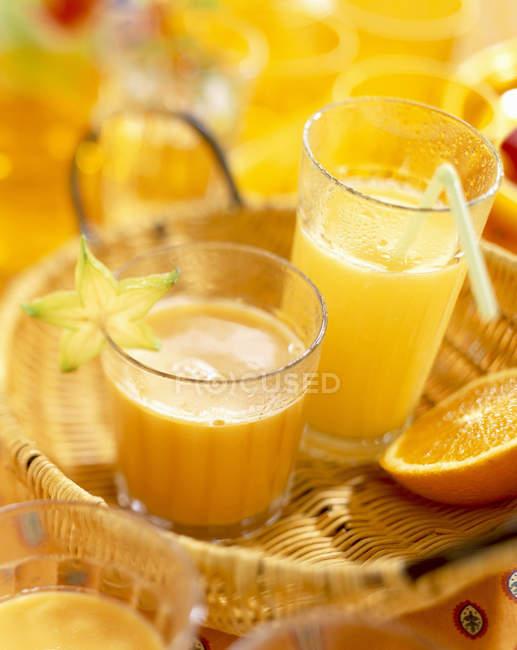 Sumo de fruta em glases — Fotografia de Stock
