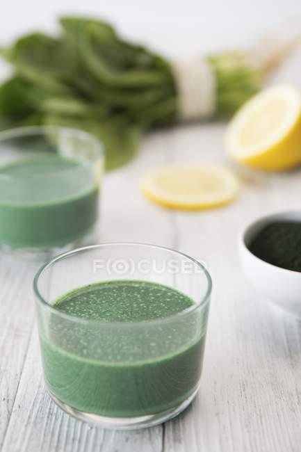 Green spirulina juice — Stock Photo