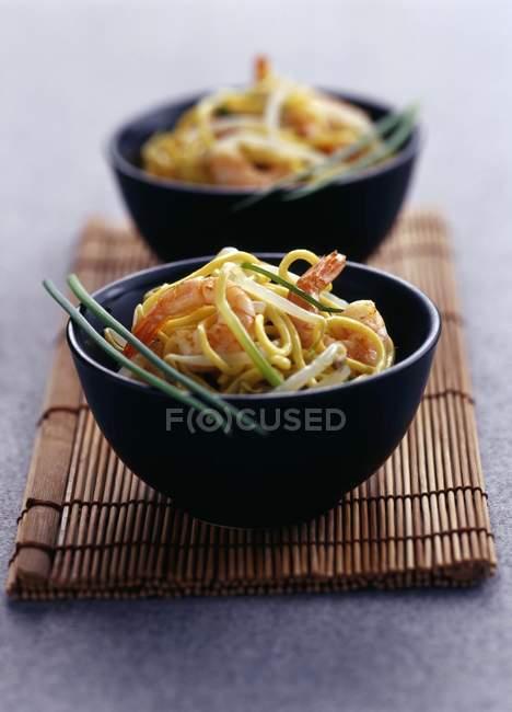 Salade de crevettes et de nouilles aux haricots — Photo de stock