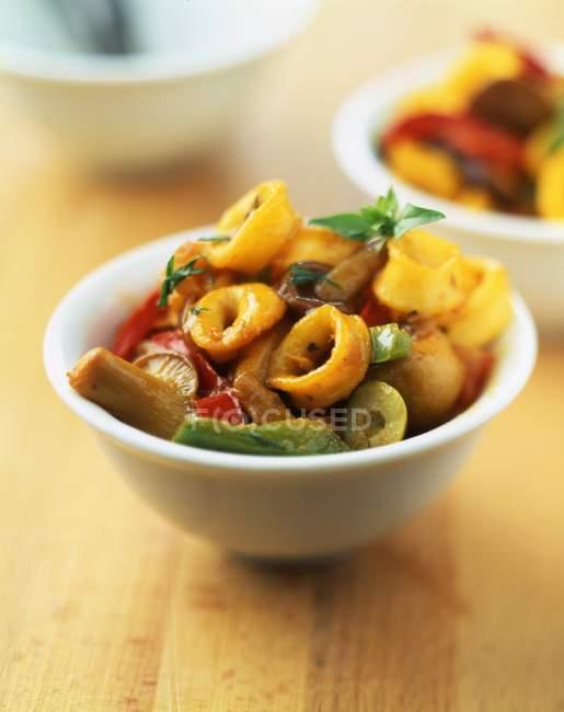 Gebackener Tintenfisch Fleisch mit Gemüse — Stockfoto
