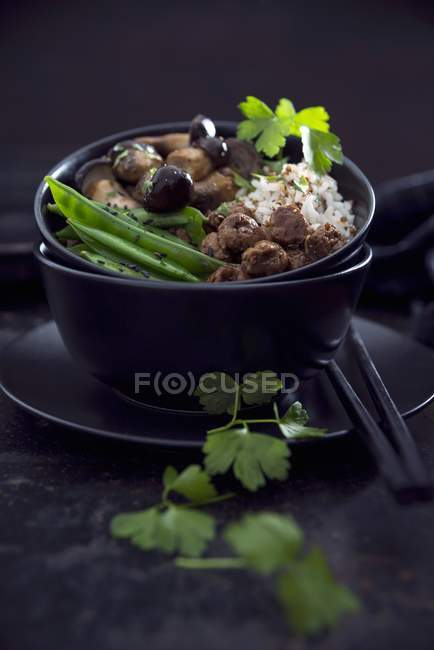 Riso e quinoa vegano rosso — Foto stock