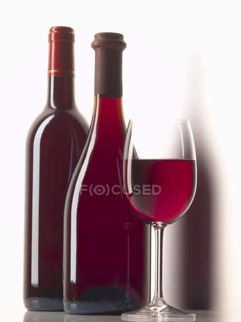 Композиция с красным вином — стоковое фото