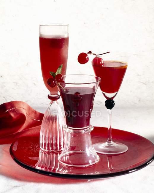 Kirschen und Johannisbeeren Cocktails — Stockfoto