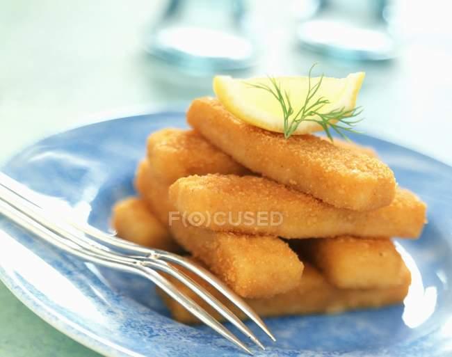 Bâtonnets de poisson panés — Photo de stock