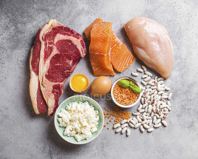 Protein-rich foods: meat, fish, poultry, eggs, cheese and legumes — Stock Photo