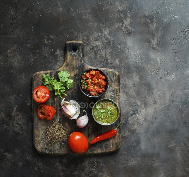 Aji picante colombiano y salsa de hogao - foto de stock