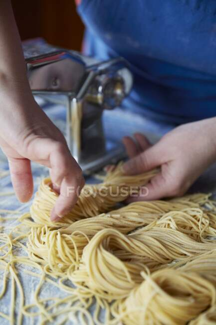 Close-up shot of delicious Home-made spaghetti — Stock Photo